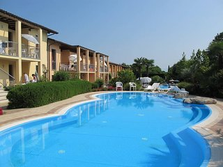 2 bedroom Apartment in Peschiera del Garda, Veneto, Italy - 5438793