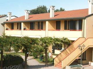 2 bedroom Apartment in Rosapineta, Veneto, Italy : ref 5682913