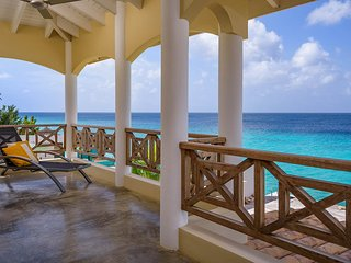 Oceanfront villa with private access to the Caribbean sea