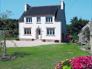 4 bedroom Villa in Plogoff, Brittany, France : ref 5438247