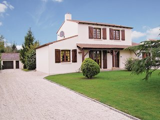 4 bedroom Villa in Saint-Christophe-du-Ligneron, Pays de la Loire, France : ref