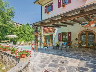 3 bedroom Villa in Pascoso, Tuscany, Italy : ref 5541190