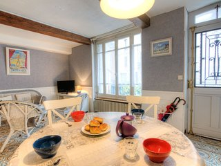 2 bedroom Apartment in Trouville-sur-Mer, Normandy, France : ref 5556030