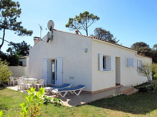 3 bedroom Villa in Chaucre, Nouvelle-Aquitaine, France : ref 5649850