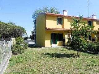 2 bedroom Villa in Lesignano de' Bagni, Emilia-Romagna, Italy : ref 5632976
