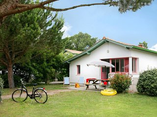 2 bedroom Apartment in Ares, Nouvelle-Aquitaine, France : ref 5642378