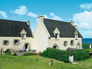 3 bedroom Villa in Tu-es-Roc, Brittany, France : ref 5436252