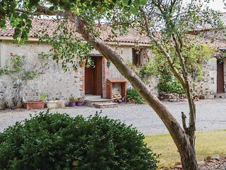2 bedroom Villa in Clere-sur-Layon, Pays de la Loire, France : ref 5628724