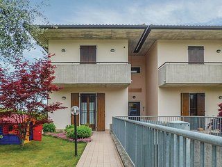 2 bedroom Apartment in Gralaoni-Pralesi-Cisano, Veneto, Italy : ref 5674603