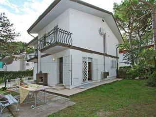4 bedroom Apartment in Lignano Pineta, Friuli Venezia Giulia, Italy : ref 543450
