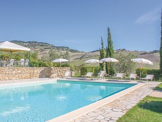 2 bedroom Apartment in Volterra, Tuscany, Italy : ref 5540339