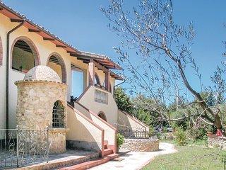 2 bedroom Apartment in Volterra, Tuscany, Italy : ref 5540339