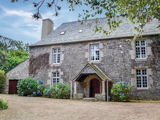 4 bedroom Villa in Taulé, Brittany, France - 5522058