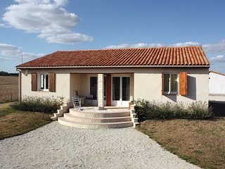 4 bedroom Villa in Le Gicq, Nouvelle-Aquitaine, France : ref 5533121