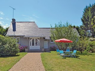 2 bedroom Villa in Beg-Meil, Brittany, France : ref 5538940