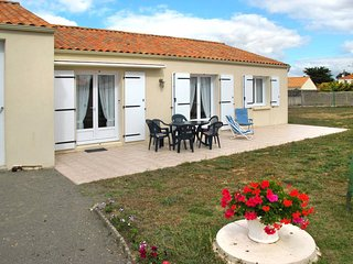 4 bedroom Villa in Bretignolles-sur-Mer, Pays de la Loire, France - 5448074