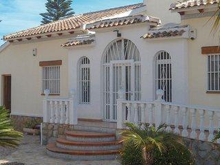 4 bedroom Villa in Daya Vieja, Region of Valencia, Spain - 5635404