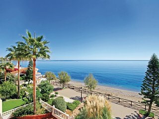 2 bedroom Apartment in Estepona, Andalusia, Spain : ref 5538425