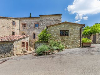3 bedroom Apartment in Gaiole in Chianti, Tuscany, Italy : ref 5473646