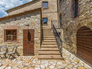 San Sano Apartment Sleeps 6 with Pool and Free WiFi - 5801761