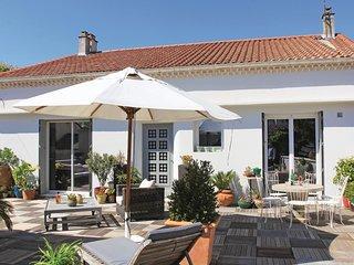 2 bedroom Villa in Montelimar, Auvergne-Rhone-Alpes, France : ref 5669886