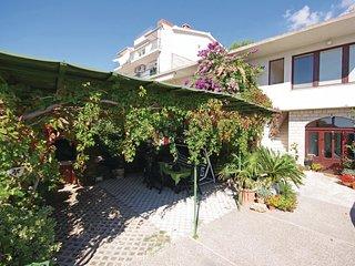 2 bedroom Apartment in Makarska, Splitsko-Dalmatinska Županija, Croatia : ref 55
