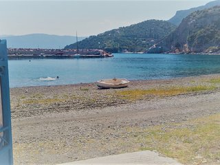 Seafront Villa Matina in Sampatiki directly on the beach | apartment Cielo