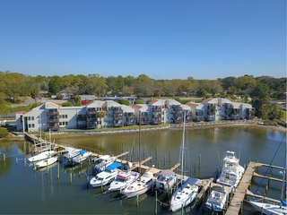 Bayou Point - Waterfront 1/1 Sleeps 4