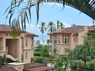 LOS SUENOS Bella Vista 3rd Floor - 3 Bed, 3.5 Bath, Wraparound deck/Views!!