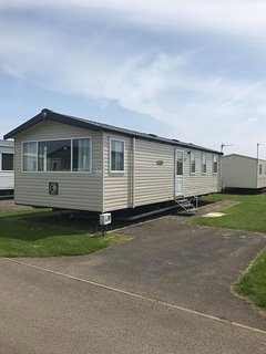 Modern heated caravan Haven Golden Sands