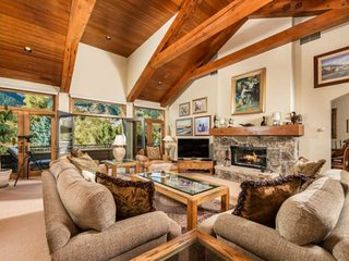 Amazing Aspen Home.  Incredible Mountain Views, Elevator, Garage, Easy Access to