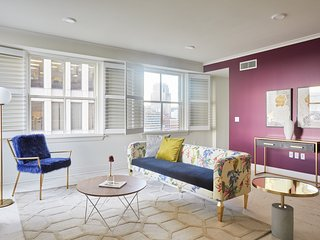 Posh 1BR-B with Canal Street View by Sonder