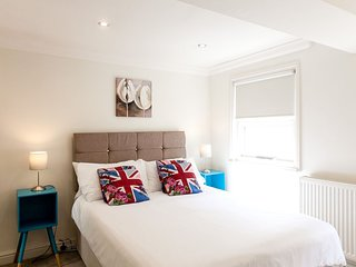 LONDON EYE! ★ TOP LOCATION ★ BUDGET ★ 2bed2bath ★ XXL ★ CLEAN