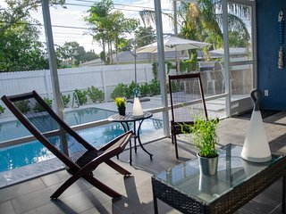 ☆Featured on HGTV☆ Private Pool, SleepNumber Beds, Near Indian Rocks Beach