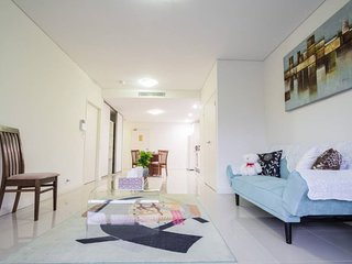 Sydney Canterbury 1 bedroom Holiday Apartment w/Parking