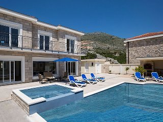 Luxury Villa Pavle with private pool/Jet pool near Dubrovnik