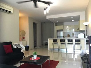 KLCC Myhabitat 2Bedroom Suite Unlimited WIFI MH1302 吉隆坡市两房公寓