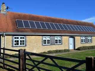 Idyllic cottage on private parkland near Oxford