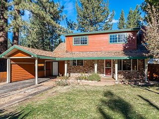 Spacious 4BR Tahoe Home – Walk to Meadow, Lake & Dining – Minutes to Heavenly
