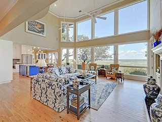 Luxurious 3BR w/ Beautiful Appointments & Stunning Marsh Views