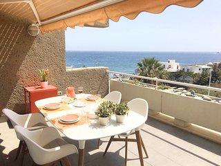 Sea view apartment (free wifi)