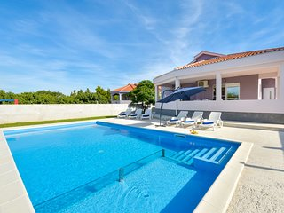 3 bedroom Villa in Smilcic, Zadarska Zupanija, Croatia : ref 5677866