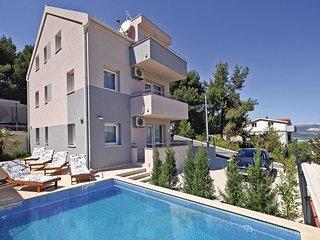 4 bedroom Villa in Žedno, Splitsko-Dalmatinska Županija, Croatia : ref 5562500