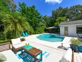 Cosy 4 bedms/2.5 bathms with pool close to Siesta Key