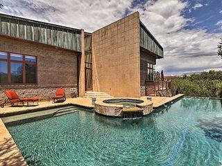 Sedona Haven w/ Multi-Level Deck & Infinity Pool!