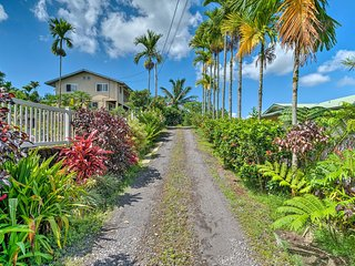 NEW! Cozy Cottage w/Patio - 3 mi to Downtown Hilo!