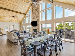 NEW! Lavish Home w/Decks- Steps to Table Rock Lake