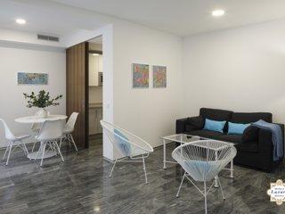 Sevilla Luxury Rentals - Horno Santa Cruz 1C