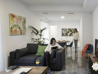 Sevilla Luxury Rentals - Horno Santa Cruz 2D