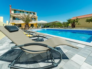 Bibinje Holiday Apartment 23401